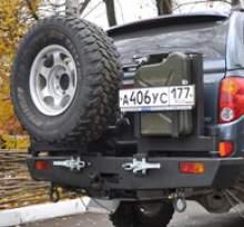 Калитка крепления под канистру можно купить в 4x4mag.ru