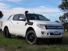 Шноркель Safari на Ford Ranger PX все с 8/2011 Р4АТ, Р5АТ с двиг. 2.2Litre-I4, 3.2Litre-I5 дизель, правая сторона можно купить в 4x4mag.ru