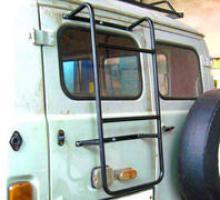 Лестница на заднюю дверь для УАЗ 3741, 3909, 39625, 2206, 3962 можно купить в 4x4mag.ru